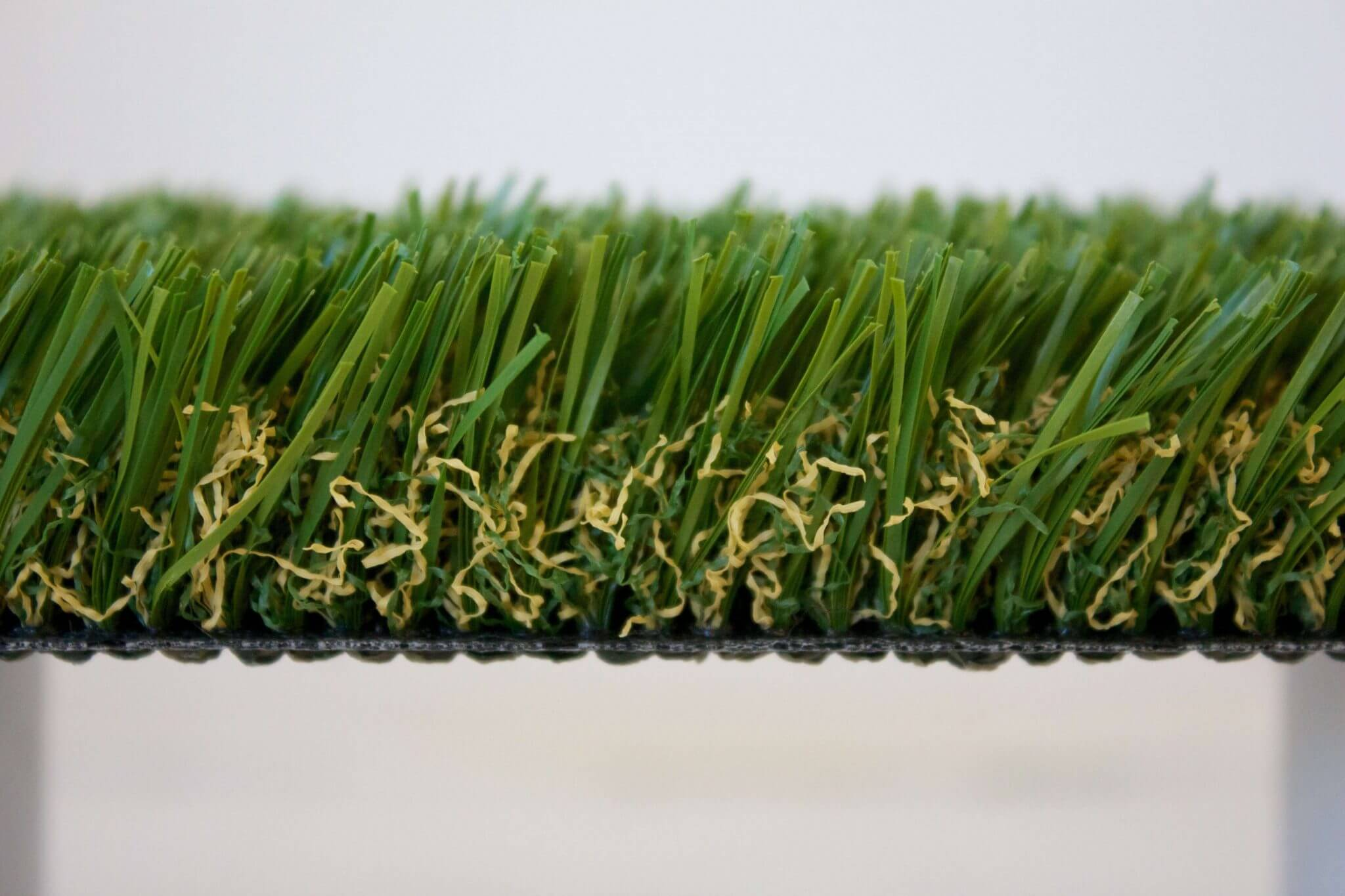 PetGrass-side view of tan thatch