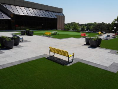 Rooftop turf, putting greens and break area at Kemper Lakes Business Park.